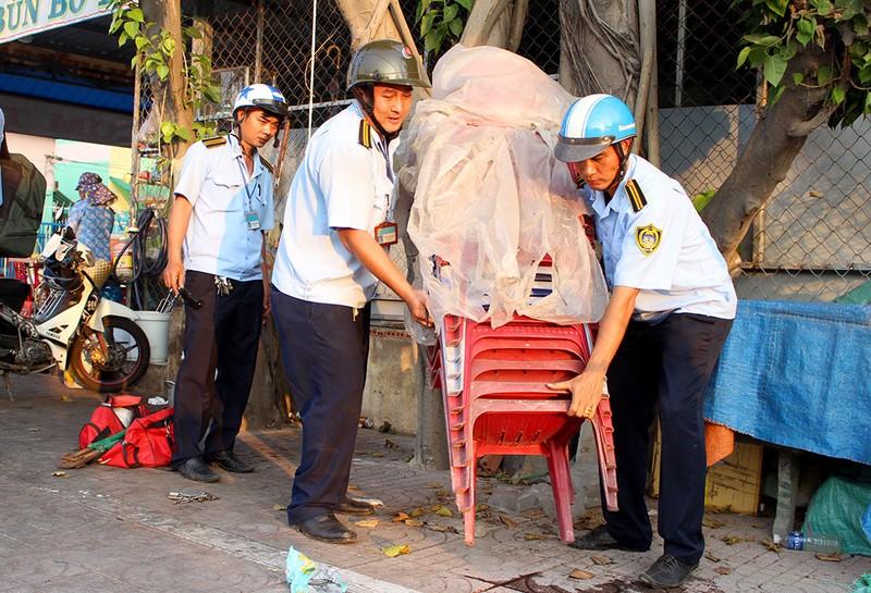 Quận Bình Tân  mạnh tay phạt vi phạm vỉa hè  - ảnh 10