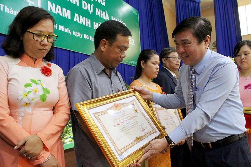 Truy tặng danh hiệu Bà mẹ VNAH cho 38 mẹ ở TP.HCM - ảnh 3