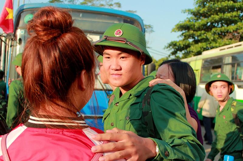 Tân Bình: Nhiều thanh niên viết đơn tự nguyện nhập ngũ  - ảnh 7