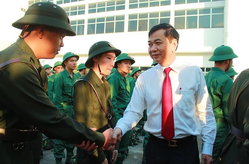 Tân Bình: Nhiều thanh niên viết đơn tự nguyện nhập ngũ  - ảnh 4