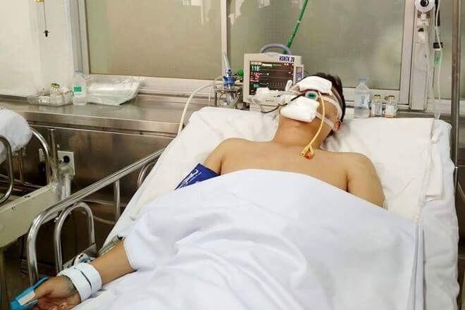CSGT ở TP.HCM bị người vi phạm tông chấn thương  - ảnh 1