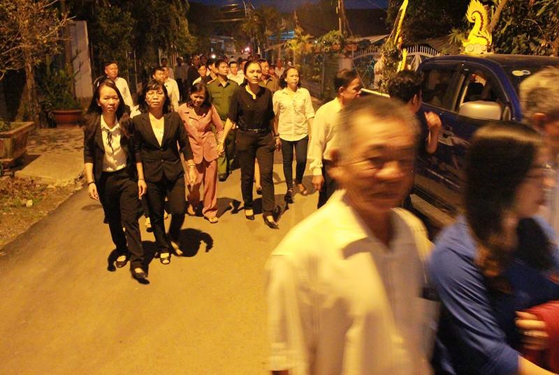 Cả xã hẹn nhau đi viếng nguyên Thủ tướng Phan Văn Khải - ảnh 3