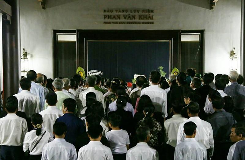 Cả xã hẹn nhau đi viếng nguyên Thủ tướng Phan Văn Khải - ảnh 5