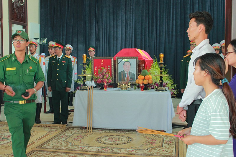 Hàng ngàn người viếng nguyên Thủ tướng Phan Văn Khải - ảnh 2