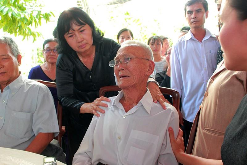 Hàng ngàn người viếng nguyên Thủ tướng Phan Văn Khải - ảnh 5