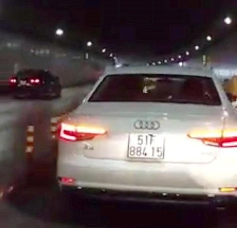 CSGT phạt nguội xe Audi chiếm làn xe máy ở hầm Thủ Thiêm - ảnh 1