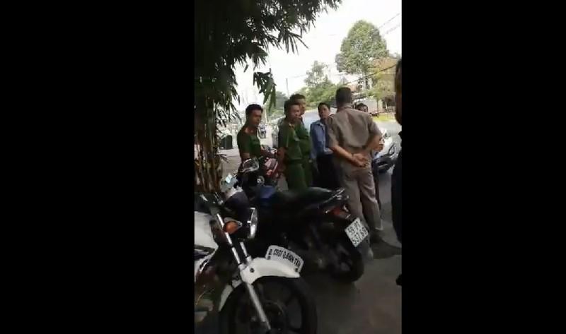 Công an Bình Tân nói về clip 'CSGT vây ô tô dán decal' - ảnh 1