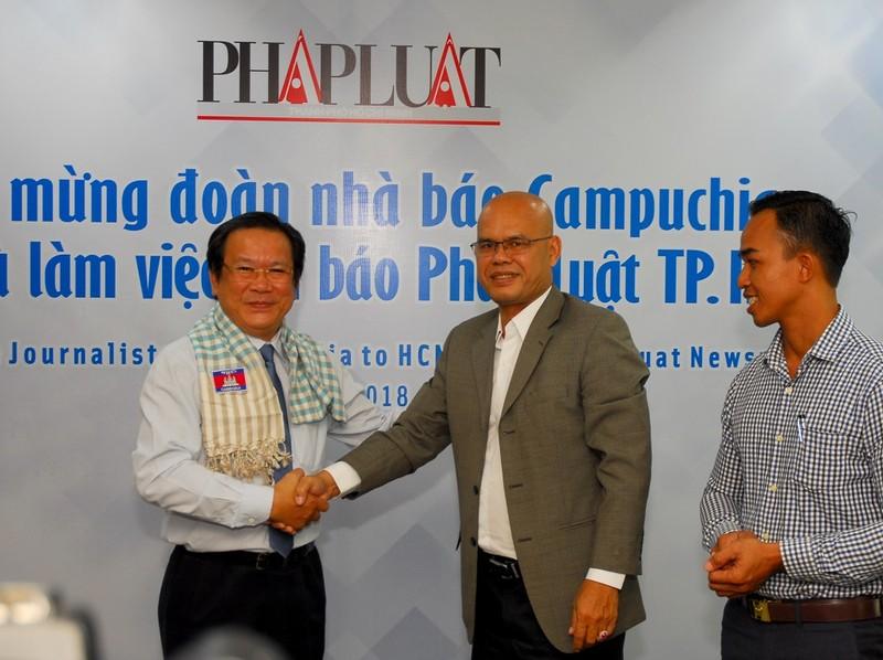 Đoàn báo chí Campuchia thăm, làm việc với báo Pháp Luật TP.HCM - ảnh 3