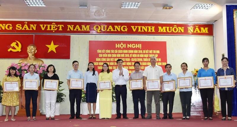 Quận Tân Bình: Buổi tối dân vẫn có thể lên phường nộp hồ sơ - ảnh 2