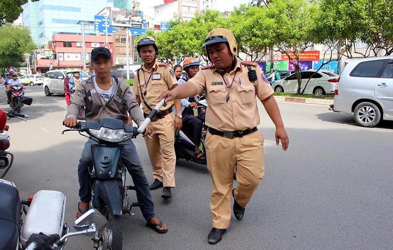 TP.HCM: 5 ngày tổng kiểm tra giao thông, tai nạn giảm mạnh - ảnh 2
