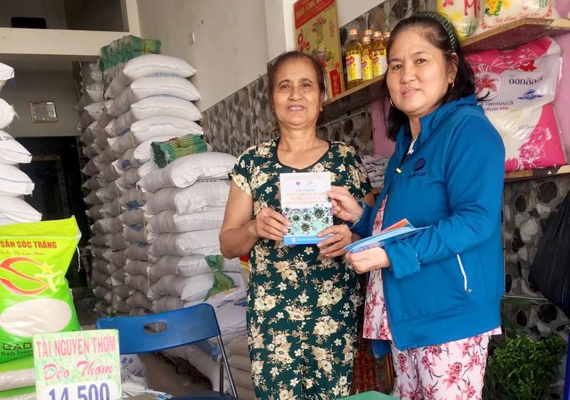 Đoàn phường An Lạc A vào chợ tuyên truyền về dịch COVID-19 - ảnh 2