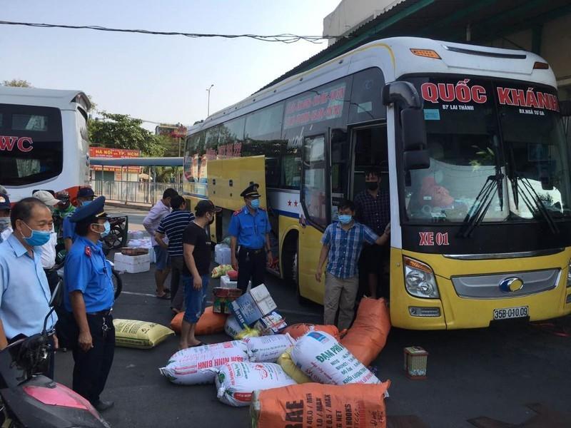 Buộc chở 20 người, nhiều xe khách liên tỉnh ngưng chạy - ảnh 1