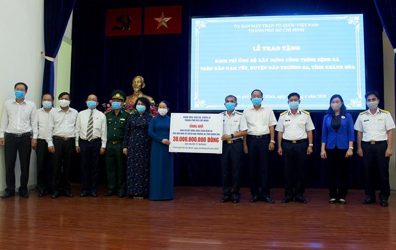 TP.HCM góp 30 tỉ đồng xây dựng bệnh xá trên đảo Trường Sa - ảnh 1
