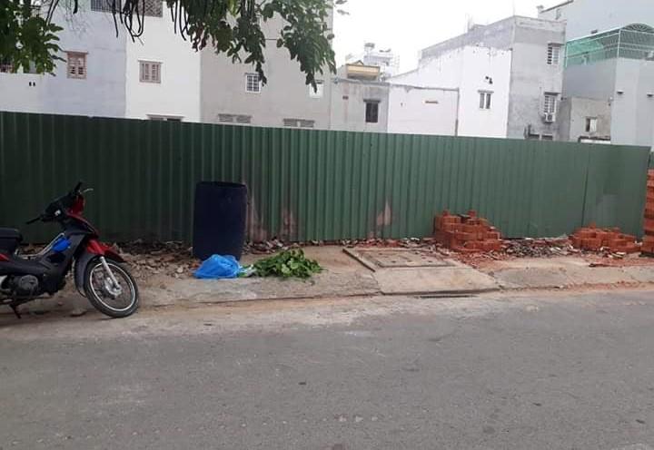 Quận Bình Tân: Bé trai sơ sinh 3 ký bị bỏ rơi trong thùng rác - ảnh 1