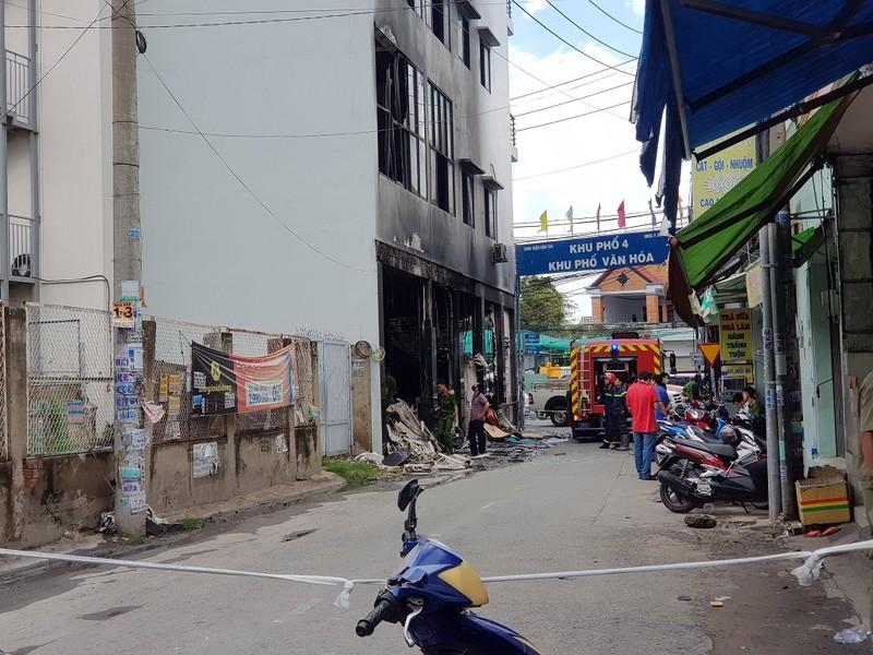 Thông tin mới nhất vụ cháy khiến 7 người mắc kẹt ở Bình Tân - ảnh 1