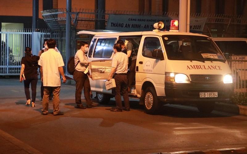 CSGT mất 10 phút đưa lá gan từ Tân Sơn Nhất đến BV Y Dược - ảnh 2