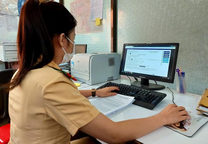 CSGT TP.HCM hướng dẫn người dân cách nộp phạt qua mạng - ảnh 1