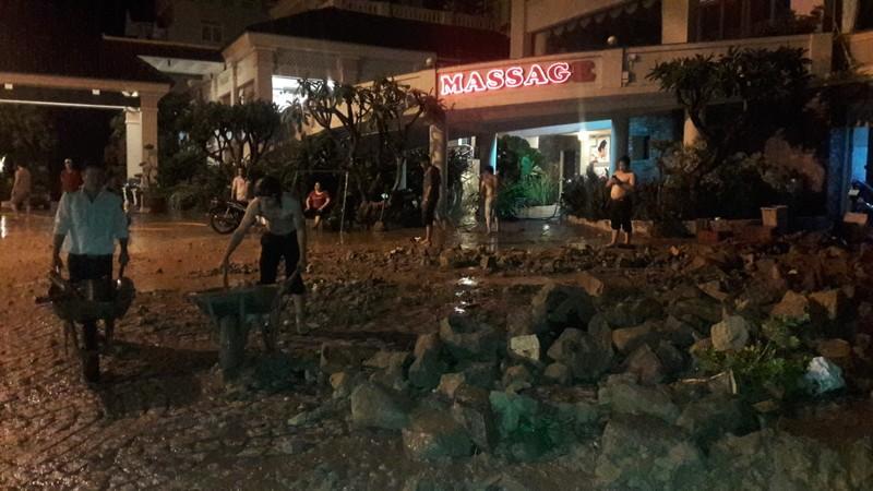 Đất đá sạt lở đổ ập xuống khách sạn ở Vũng Tàu - ảnh 2