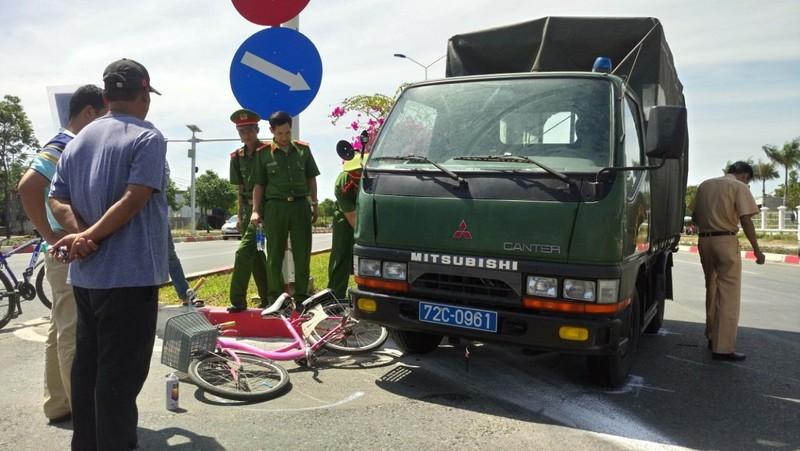Va chạm với xe cảnh sát cơ động, một người tử vong - ảnh 2