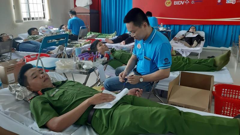 Bí thư Bà Rịa - Vũng Tàu tham gia hiến máu tình nguyện - ảnh 2