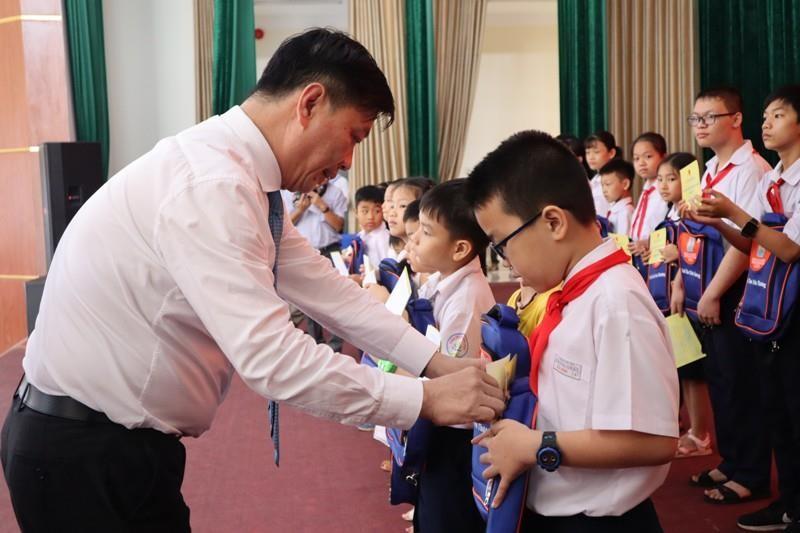 Phó Chủ tịch nước Đặng Thị Ngọc Thịnh thăm Vùng 2 Hải quân - ảnh 1
