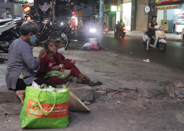Bà Rịa-Vũng Tàu: Thống kê người bán vé số khó khăn để hỗ trợ - ảnh 1