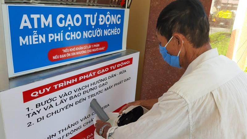 Vũng Tàu: ATM gạo trao yêu thương giữa mùa dịch COVID-19 - ảnh 1