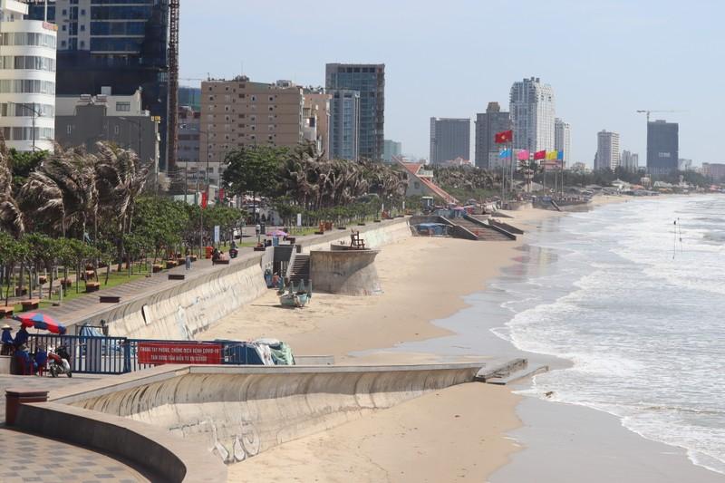 Lễ 30-4: Biển Vũng Tàu... vắng vẻ - ảnh 1