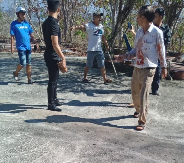 Nhóm người đập phá, đánh người ở Khu du lịch Long Sơn - ảnh 2