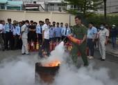 Him Lam Land hướng dẫn cư dân phòng cháy chữa cháy