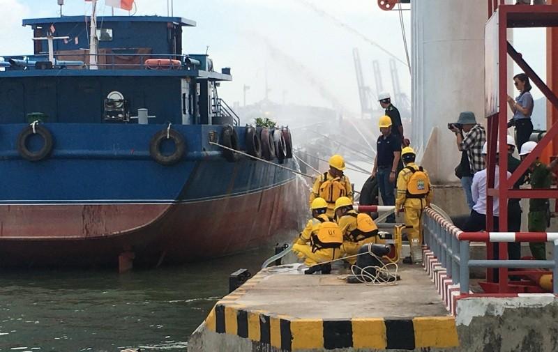 Diễn tập ứng phó sự cố tràn dầu tại cảng Cái Mép - ảnh 1