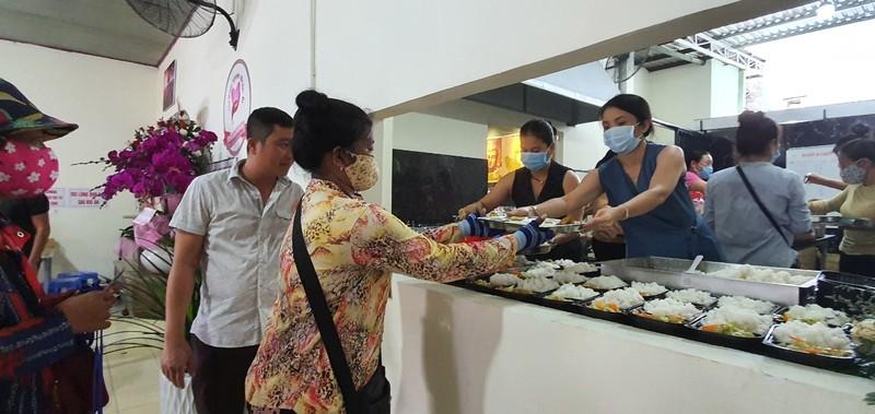 'Bếp ăn 0 đồng' hỗ trợ người nghèo huyện Xuyên Mộc - ảnh 2