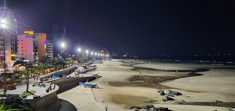 Vũng Tàu: Biển Bãi Trước, Bãi Sau sáng rực nhờ dàn đèn cao áp - ảnh 2