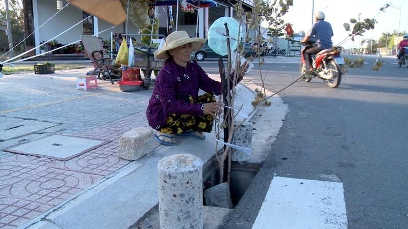 Bà Rịa- Vũng Tàu: Truy tìm kẻ trộm nắp đậy hố thoát nước - ảnh 1