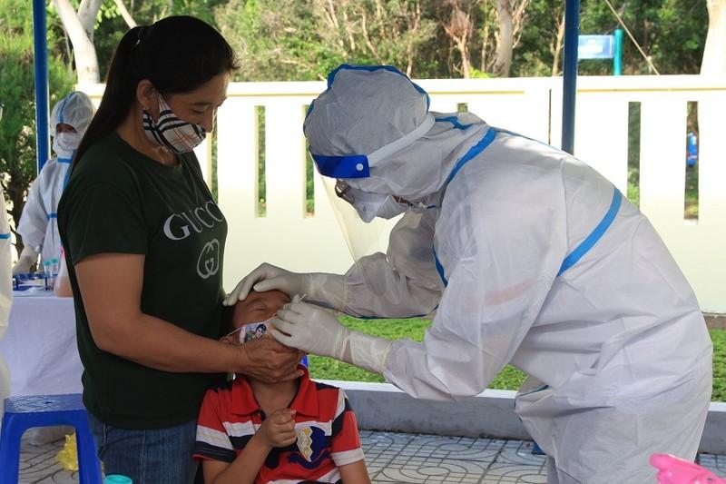 11.000 cư dân Côn Đảo được xét nghiệm sàng lọc SARS-CoV-2 - ảnh 2