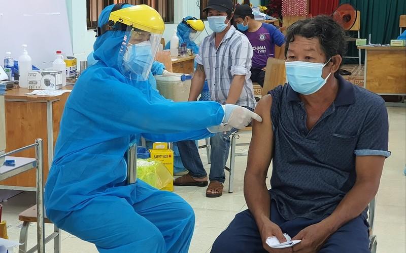 Bà Rịa - Vũng Tàu tổ chức lại để đẩy nhanh tiến độ tiêm vaccine phòng COVID-19 - ảnh 1