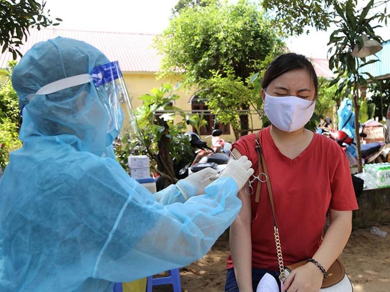 Từ chối tiêm vaccine: Phạt được nhưng… - ảnh 1