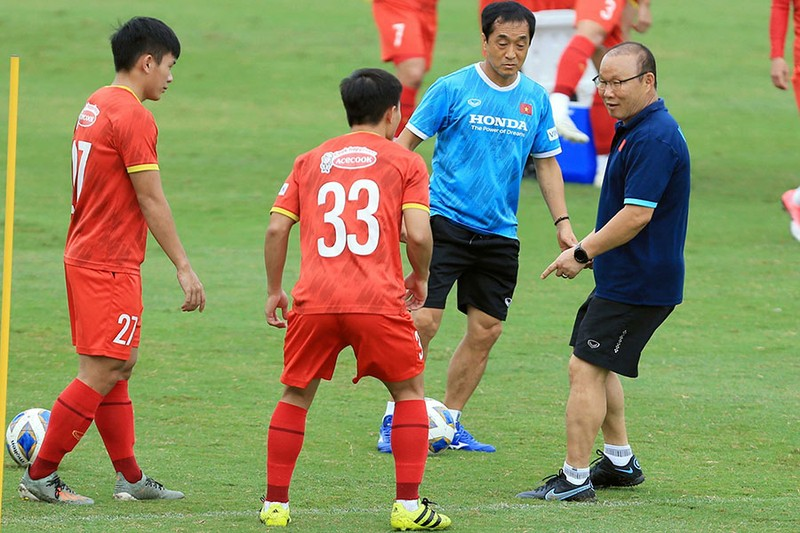 Thế khó của thầy Park và tuyển thủ Việt Nam - ảnh 1