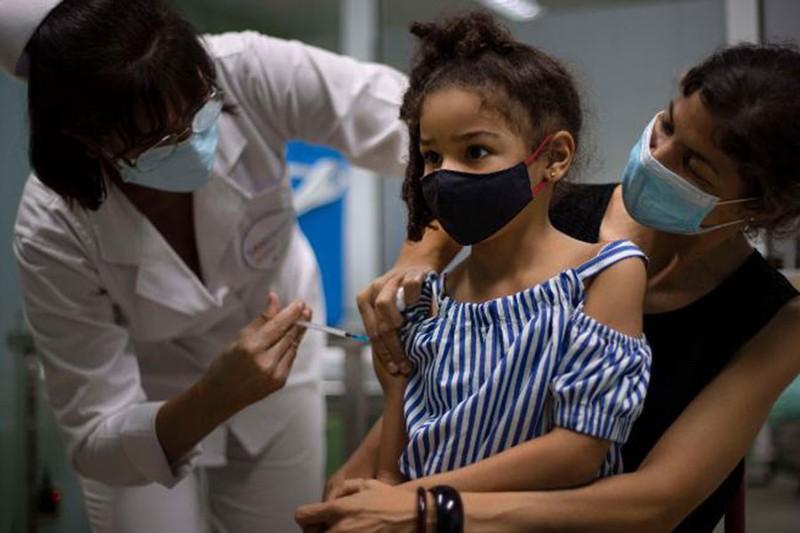 Vaccine cho trẻ em: Cả thế giới sốt ruột - ảnh 1