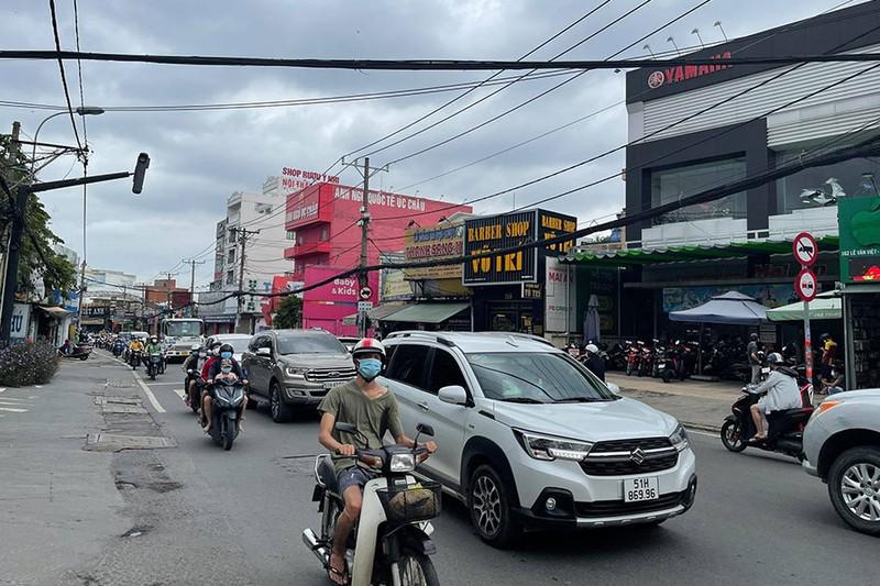 TP.HCM: Xe buýt, taxi, xe hợp đồng đã sẵn sàng chở khách - ảnh 1