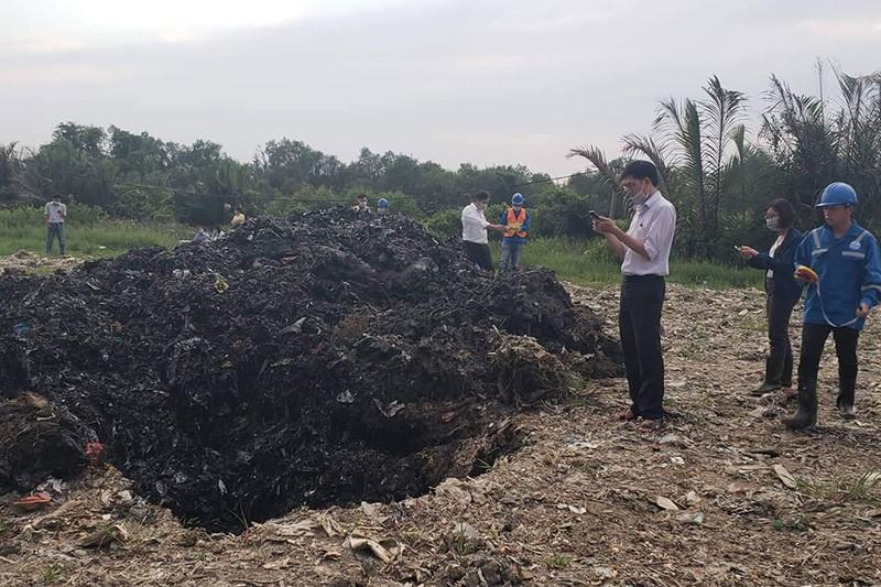 Phòng TN&MT Bình Chánh tham gia tố tụng vụ chôn 4.400 tấn rác - ảnh 1