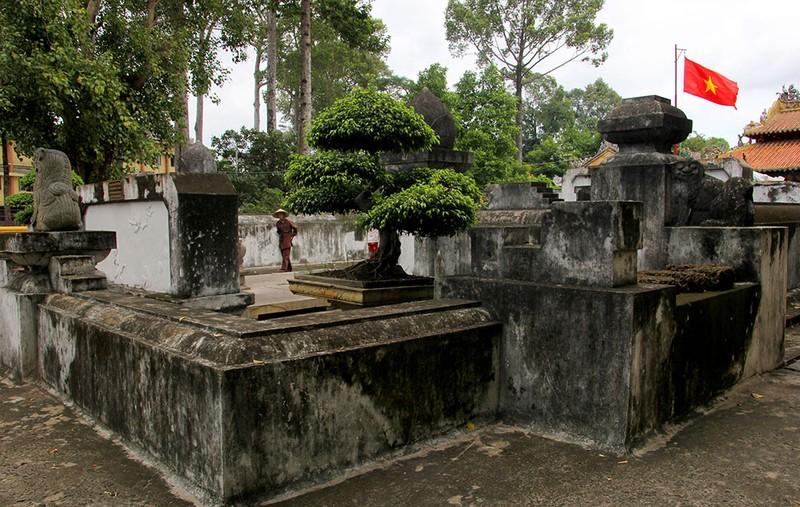Lăng mộ cổ nằm trên khu đất 'long mạch' ở TP.HCM