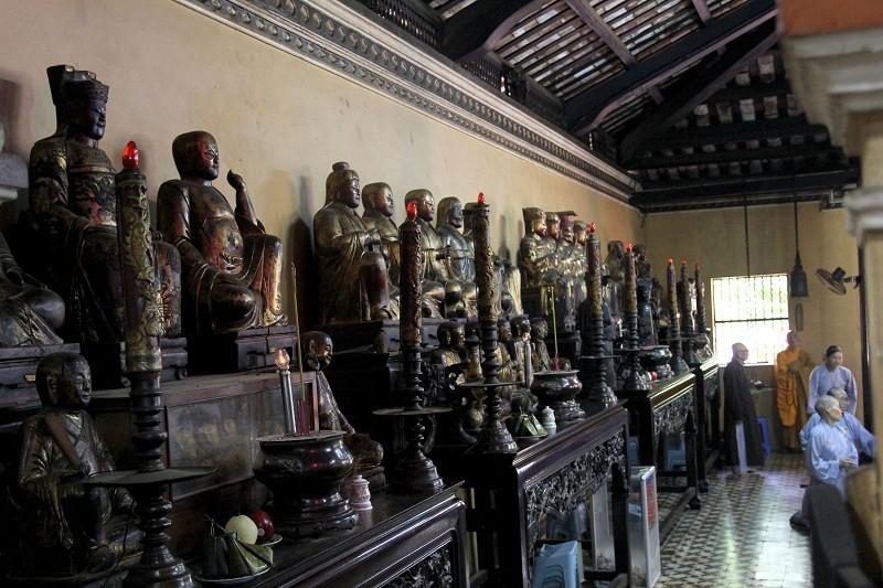 Ngôi chùa gần 300 năm tuổi giữa lòng thành phố - ảnh 12