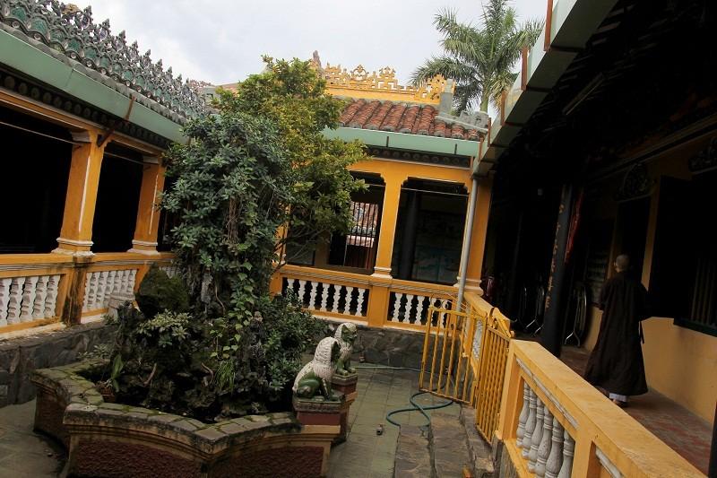 Ngôi chùa gần 300 năm tuổi giữa lòng thành phố - ảnh 13