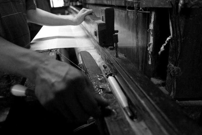 Gia đình hơn 50 năm giữ nghề dệt vải bằng khung gỗ - ảnh 9