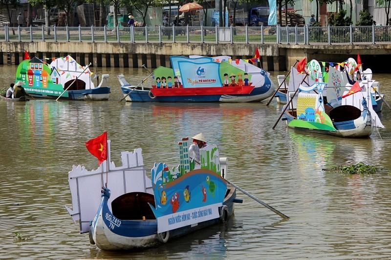 Ảnh: Diễu hành bảo vệ môi trường trên kênh Nhiêu Lộc - ảnh 5