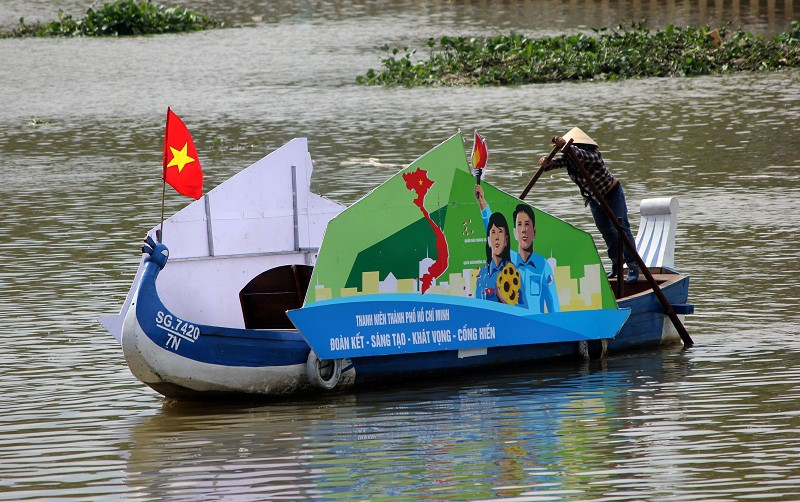 Ảnh: Diễu hành bảo vệ môi trường trên kênh Nhiêu Lộc - ảnh 6