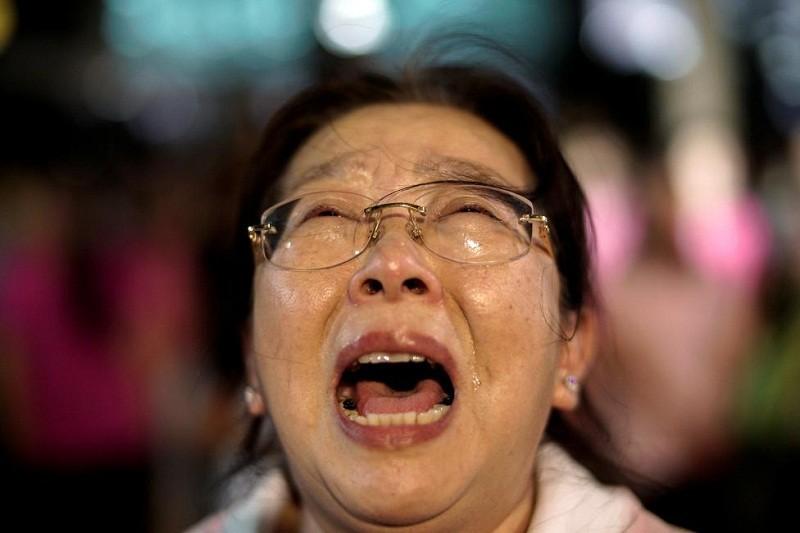 Người Thái khóc như mưa tiếc thương quốc vương - ảnh 7