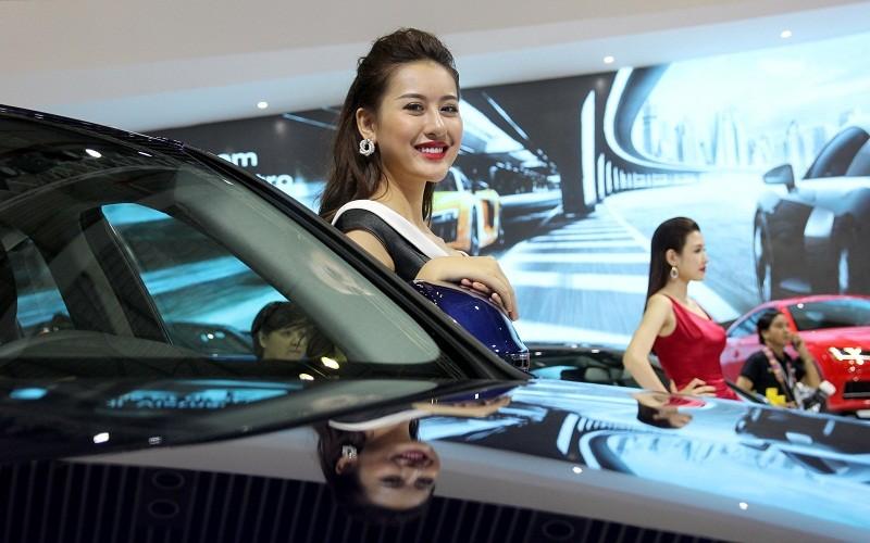 Phạm Hương cùng dàn người đẹp đọ dáng tại VIMS 2016 - ảnh 7