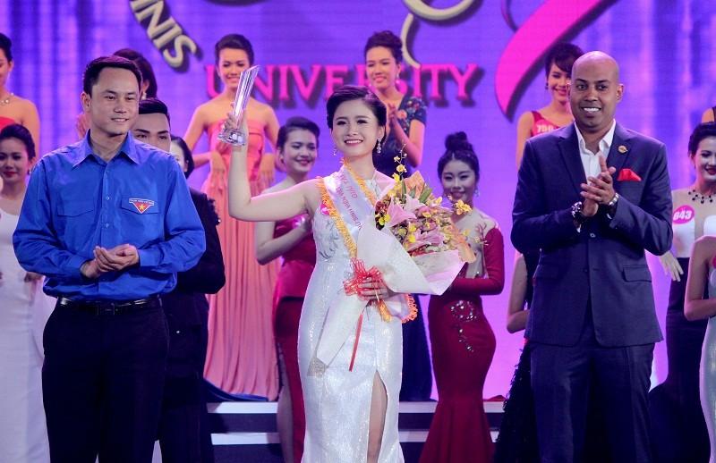 Đặng Thị Thu Hồng đoạt Nữ sinh viên VN duyên dáng 2016 - ảnh 14